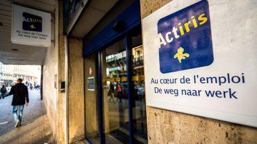 Les taux de chômage des Bruxellois de plus de 45 ans sont eux 3 à 4 fois plus élevés qu'en Wallonie et en Flandre.