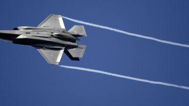 La Belgique avait déjà opté les F-35 avant même que l'appel d'offres pour le remplacement des avions F-16 ne soit lancé, a indiqué mardi Eric Trappier, PDG de Dassault Aviation