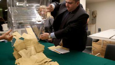 Election d'Emmanuel Macron à la présidence: un Français sur trois a voté blanc ou s'est abstenu