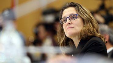 "CETA : Chrystia Freeland chahuté après sa déclaration jugée ""trop émotive"""