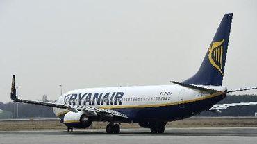 Un avion de la compagnie aérienne irlandaise Ryanair, le 3 avril 2013 sur l'aéroport d'Eindhoven, aux Pays-Bas