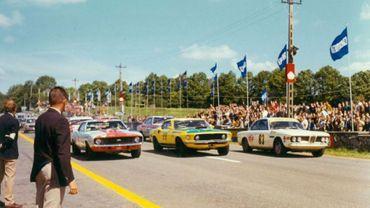 Départ de course automobile à Chimay dans les années 1970
