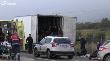 Pas toujours facile pour les chauffeurs d'empêcher les migrants de se cacher dans leur camion