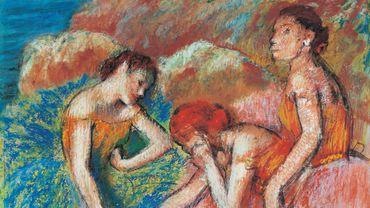 """""""Danseuses (Danseuses au repos)"""", d'Edgar Degas (vers 1898) - Pastel sur cinq feuilles de papier contrecollées sur carton, 83 × 72 cm, legs de Lucie Schmidheiny, 1998 Lausanne, Fondation de l'Hermitage"""