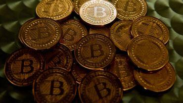 """Deux écoles s'affrontent dans la communauté bitcoin: les """"Core"""" et les """"classic""""."""