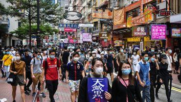 Des centaines de personnes manifestent contre la loi sur la sécurité à Hong Kong