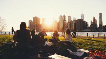 Pour être heureux, développons notre vie sociale