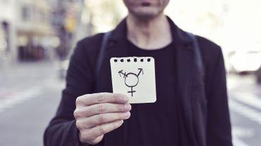 Selon l'étude, les personnes transgenres sont environ six fois plus susceptibles de souffrir d'un trouble de l'humeur ou d'anxiété lorsqu'elles se rendent chez le médecin.