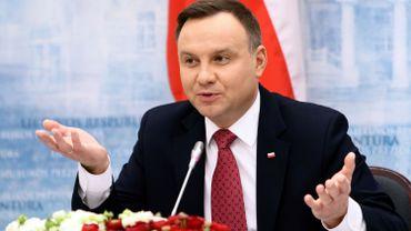 Andrzej Duda, actuel Président de la Pologne et candidat à sa propre succession, pourrait tirer parti d'un maintien de l'élection ce 10 mai, dénonce l'opposition polonaise.