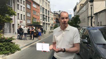 Kristiaan Borret, le maître-architecte de la région bruxelloise était rue du canal dans le centre de Bruxelles pour présenter son guide à l'attention des communes.  Il y fait une série de recommandations, afin de réorganiser l'espace public.