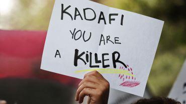 Photo prise lors d'une manifestation anti-Kadhafi devant l'ambassade libyenne en Egypte en soutient aux manifestants libyens