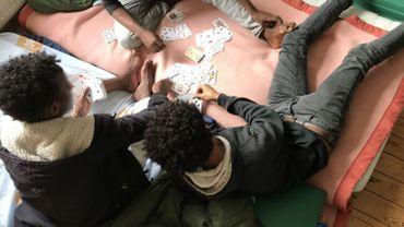 Barchon: les hébergeuses réclament un relais de jour pour les jeunes migrants
