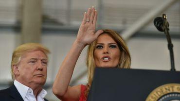 Le président américain Donald Trump et sa femme Melania lors d'un rassemblement à l'aéroport de Melbourne, le 18 février 2017 en Floride