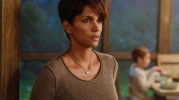 """Halle Berry sera l'héroïne de """"Extant"""", série estivale attendue sur CBS"""