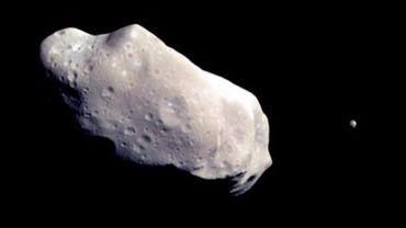 Image fournie par la Nasa en septembre 2003, montrant un astéroïde