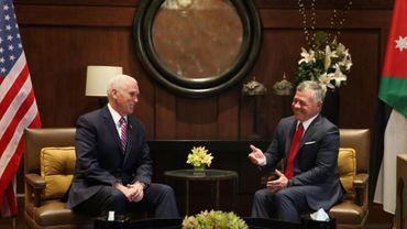 Le vice-président américain Mike Pence lors d'un déjeuner avec le roi Abdallah II de Jordanie à Amman, le 21 janvier 2018