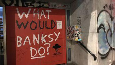 """Les œuvres de l'exposition """"Banksy unauthorized"""" à Ixelles placées sous séquestres"""