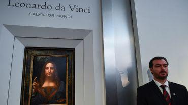 """Le """"Salvator Mundi"""" est la dernière toile connue de Léonard de Vinci dans les mains d'un collectionneur privé. Après avoir longtemps été attribuée à un contemporain de l'artiste et inventeur, elle avait été authentifiée en 2005"""