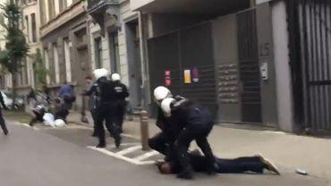 Intimidations de journalistes par la police: l'AJP ouvre un dossier de plainte