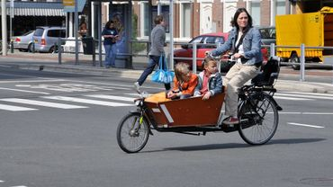 """Les petits vélos """"cargo"""" pourront bientôt rouler sur la piste cyclable"""