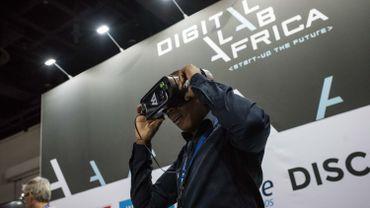 """La réalité virtuelle a été privilégiée par Naomi van Niekerk, 33 ans, l'une des dix gagnantes """"Digital Lab Africa""""."""