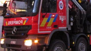 Il aura fallu 4 heures aux pompiers pour maîtriser le sinistre.