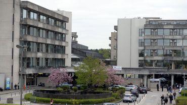"""Hôpitaux belges: une dégradation de leurs résultats, """"historiquement bas"""""""