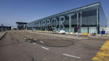 Pays-Bas: enquête ouverte après la chute de débris d'un avion cargo de Boeing