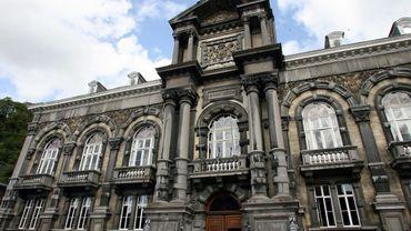 Le palais de justice de Dinant en 2006