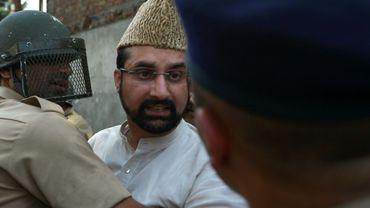 La police indienne interpelle Miwaiz Umar Farooq à Srinagar, le 13 juillet 2016