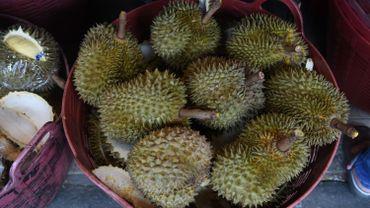 """Les durians sentent le """"vomi"""", selon ses détracteurs"""