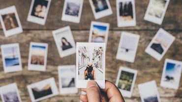 Idée cadeau : des impressions photo et des accessoires instax