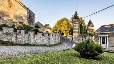 Vous qui désirez fuir la vie trépidante de notre époque, venez flâner à  Limbourg  riche en souvenirs.