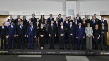 Les ministre de la Défense dans les bureaux de l'OTAN.