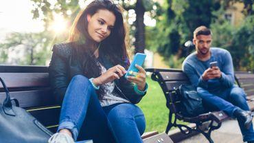 Une étude suggère qu'il n'y a pas de formule magique pour prédire l'attirance entre deux personnes.