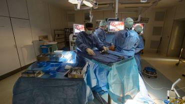 Première greffe d'une valve cardiaque biologique de nouvelle génération à l'UZ Leuven