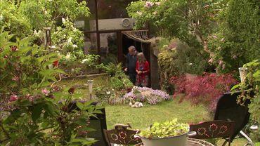 Le jardin surplombe la maison