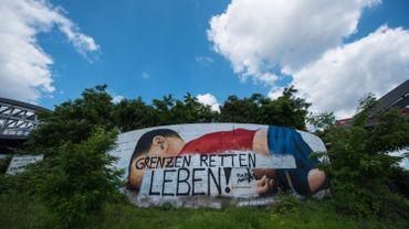 Allemagne: une fresque représentant le petit Aylan vandalisée
