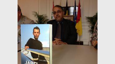 Le papa d'Ihsane Jarfi, ce jeune victime d'un crime homophobe, sort un livre.