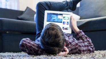 Des enfants souvent imprudents sur Internet, jusqu'à l'isolement