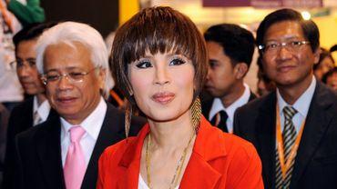 La princesse thaïlandaise Ubolratana visite une exposition à Hong Kong, le 24 mars 2010