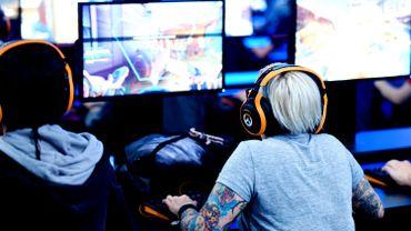 Loot boxes des jeux vidéo: des régulateurs de jeux d'argent s'associent pour dialoguer avec le secteur