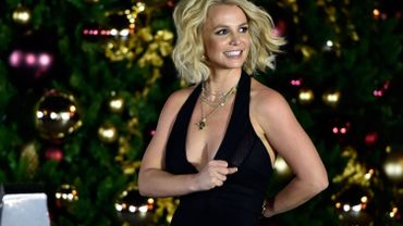 Britney Spears amuse beaucoup les internautes avec sa nouvelle chansons en français.