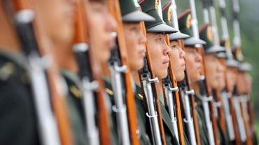 Soldats de la Garde d'Honneur de l'armée chinoise, lors d'un exercice militaire à Pekin le 21 juillet 2011