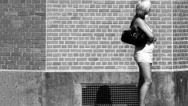 La zone de prostitution a été déplacée des petites rues du quartier vers les grands boulevards (illustration).