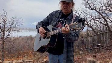 """Première """"Fireside session"""" de Neil Young"""