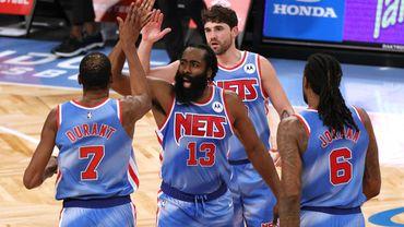 NBA : Un triple-double et une victoire, James Harden démarre fort avec les Nets