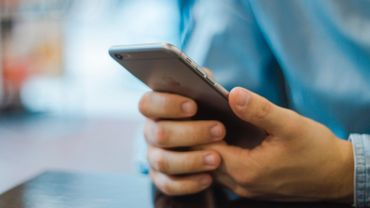 Siri, Alexa et Google Assistant véhiculent des préjugés sexistes? Oui, selon l'Unesco