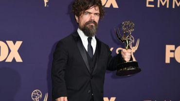 """L'acteur américain Peter Dinklage et son Emmy Award du meilleur second rôle pour """"Game of Thrones"""""""