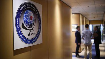 L'Agence des droits fondamentaux de l'Union européenne a souligné la nécessité  d'évaluer régulièrement le cadre législatif qui entoure le travail des agences de renseignement.